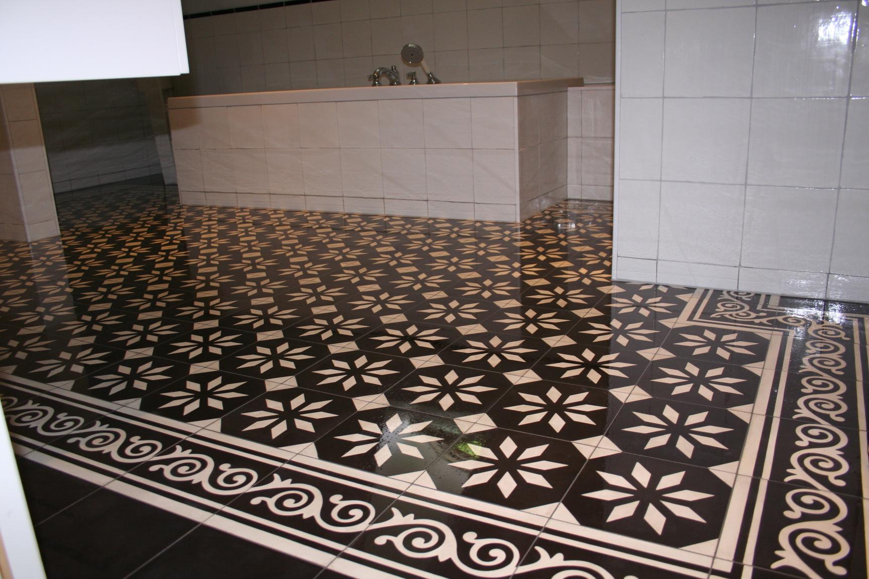 Castelo vloertegels in badkamer zwart-wit 20x20