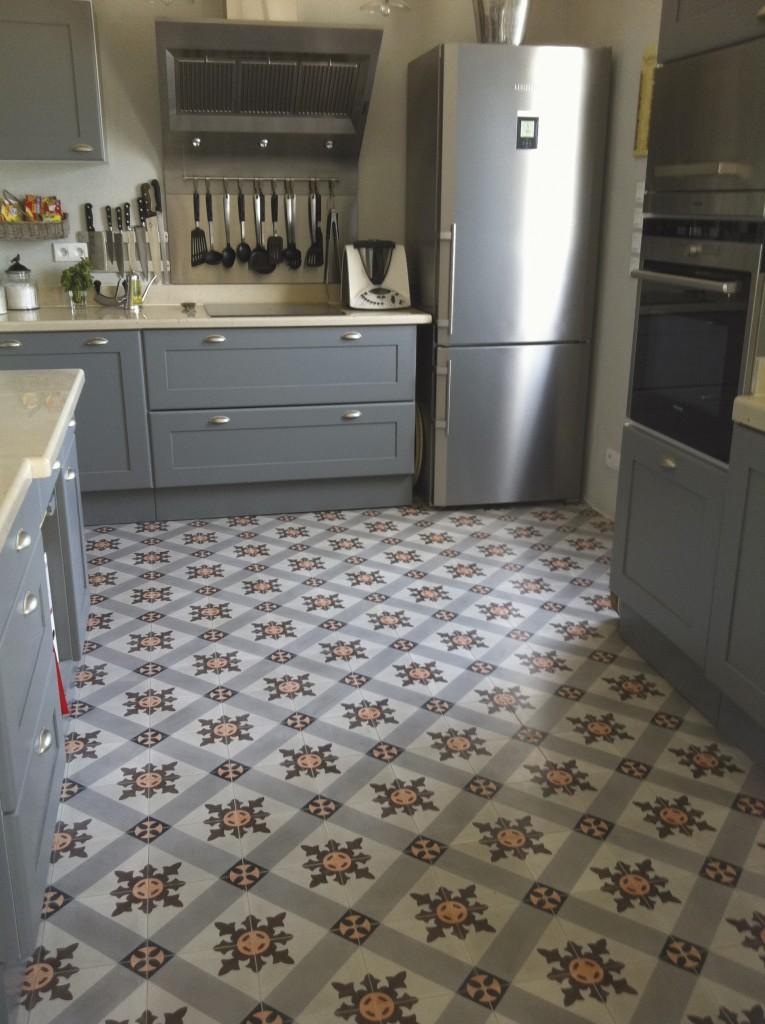 Castelo tegels zwart wit cementtegels - Keuken met cement tegels ...
