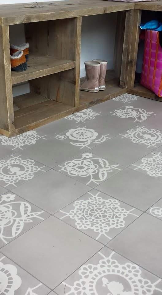 Pip Studio Lace Daisy- lace Primrose sand 20x20